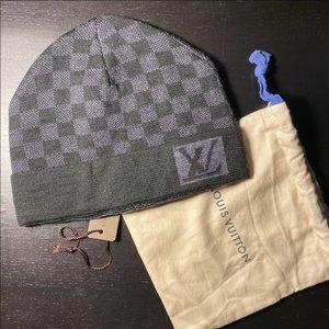 Knit Louis Vuitton hat